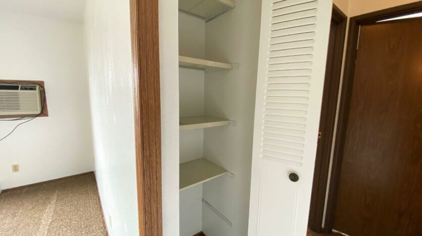 Kanyon Krossing Apartments in Miller, SD - Alternative Layout Linen Closet