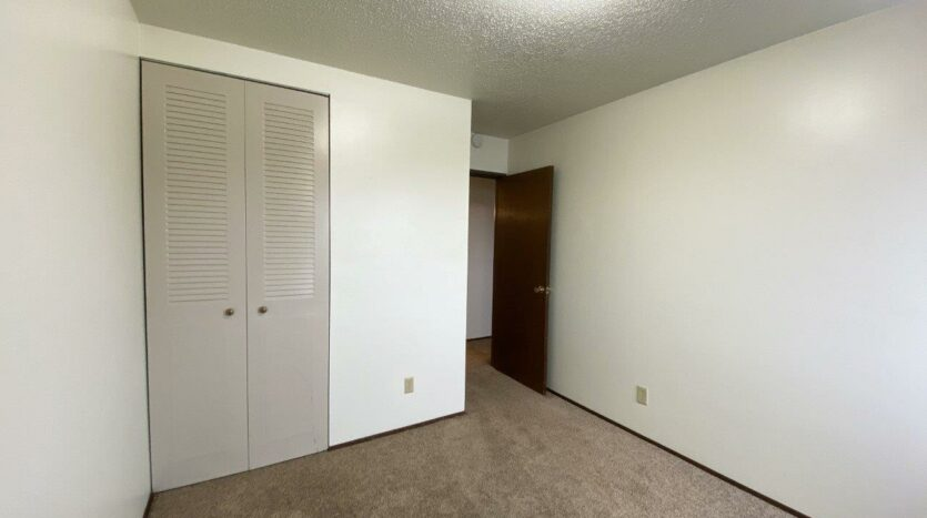 Village Pointe Apartments in Mitchell, SD - Alternative Floor Plan Bedroom 1 Closet