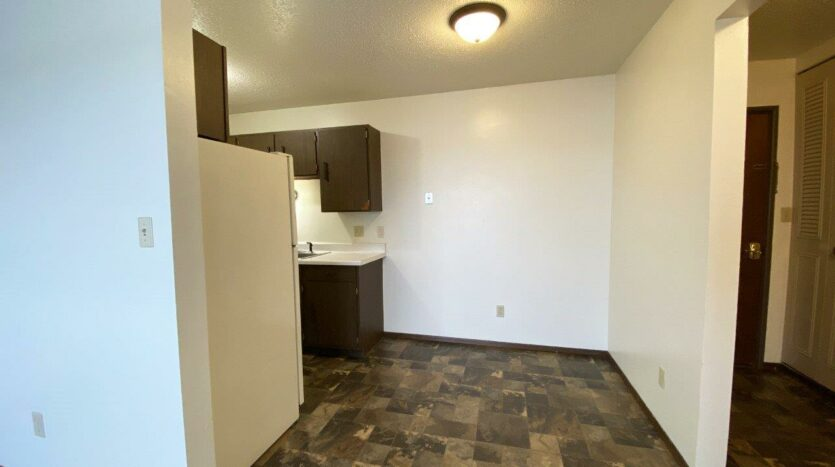 Village Pointe Apartments in Mitchell, SD - Alternative Floor Plan Dining Room