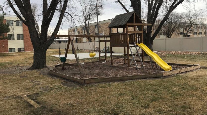 Village Pointe Apartments in Mitchell, SD - playground