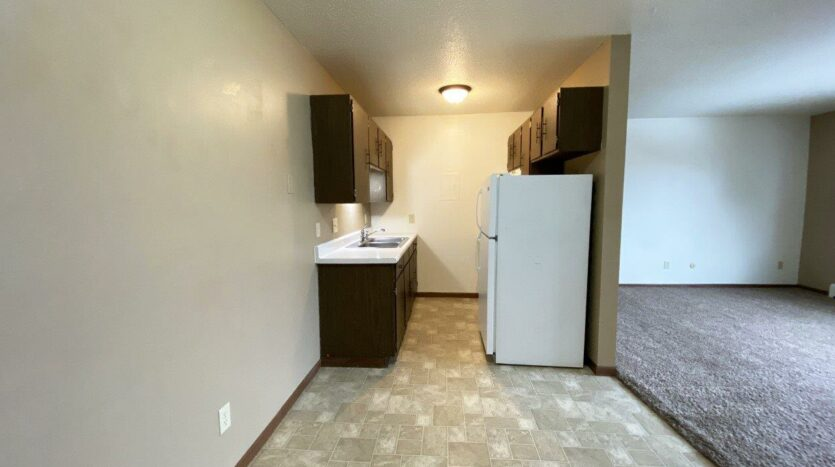 Village Pointe Apartments in Mitchell, SD - Kitchen and Dining Area