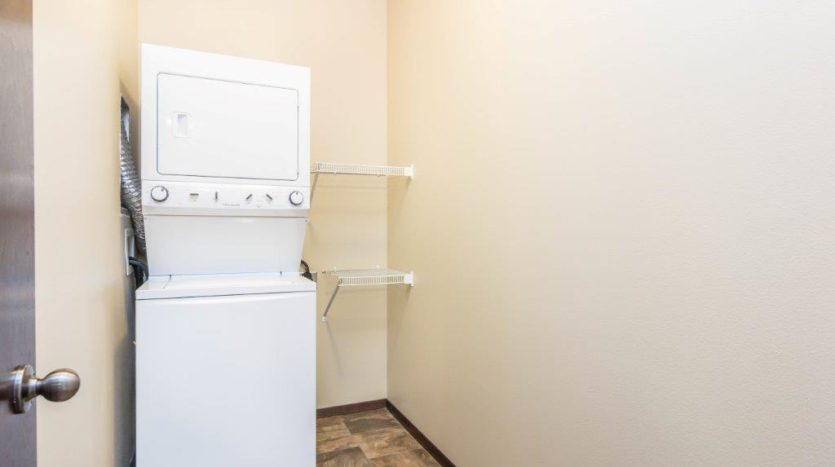 Edgerton Apartments in Mitchell, SD-1Bed 1Bath-Laundry