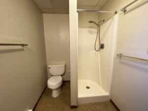 318 1/2 7th Ave South in Brookings, SD - Lower Unit Bathroom