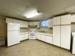 318 1/2 7th Ave South in Brookings, SD - Lower Unit Kitchen