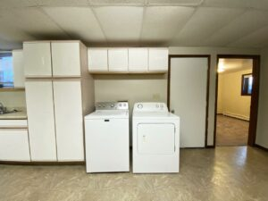 318 1/2 7th Ave South in Brookings, SD - Lower Unit Laundry