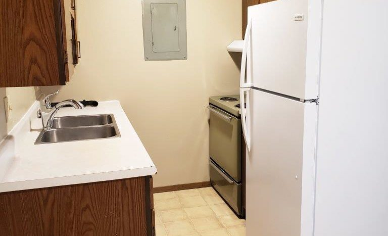 Eastview Apartments in Watertown, SD - Kitchen