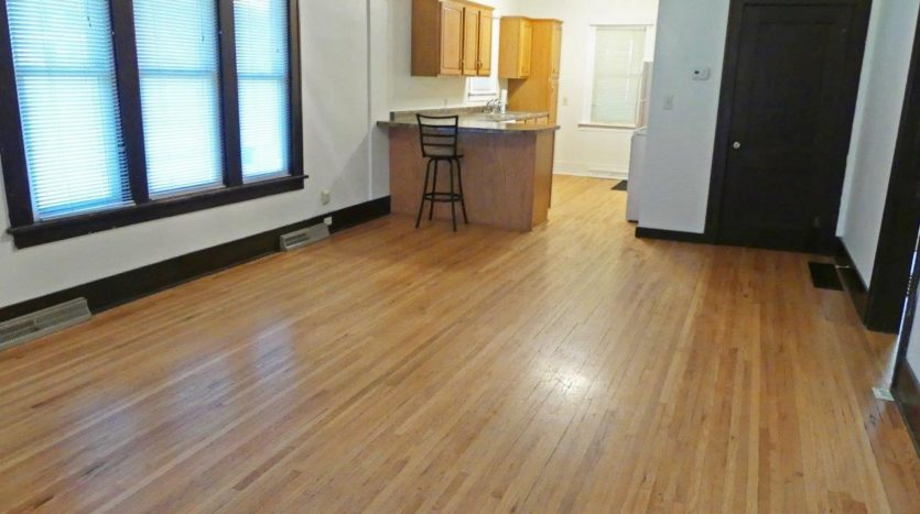 1033 8th Ave in Brookings SD - - Living Room