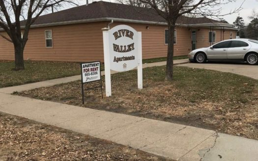 River Valley Apartments in Yankton, SD - Exterior & Sign