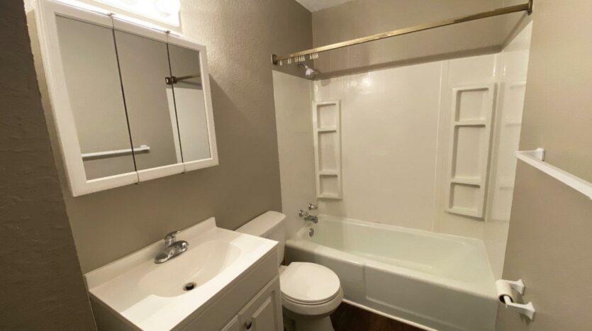 Prairie Circle Duplexes in Brookings, SD - 815 Bathroom