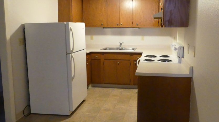 602/604 5th St in Brookings, SD - Unit 604 1/4 Kitchen