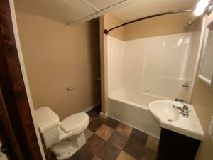 Studios on 3rd in Watertown, SD - 1 Bedroom Shower