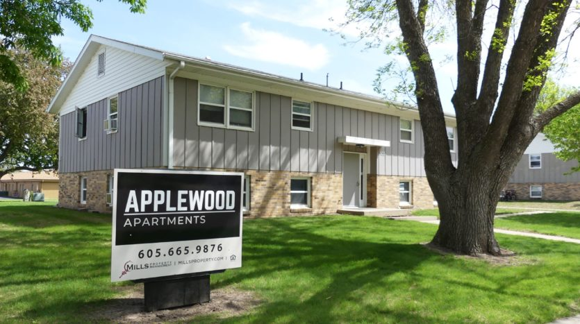 Applewood Apartments in Vermillion, SD - Exterior