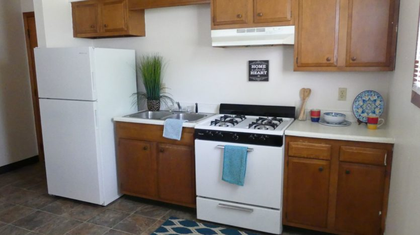 Applewood Apartments in Vermillion, SD - Kitchen