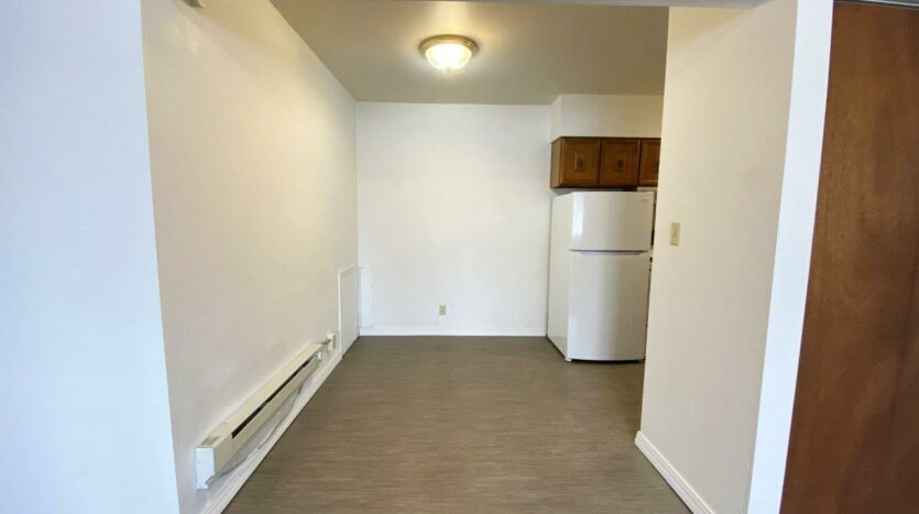 Winsor Apartments in Mitchell, SD - Dining Room