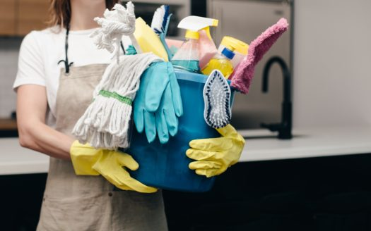 A Top-to-Bottom Guide to Spring Cleaning in Your Apartment Article