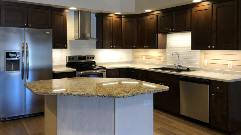 One Willow Creek Apartments in Watertown, SD - Aspen Kitchen