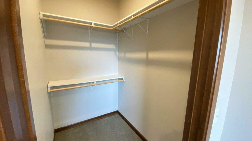 One Willow Creek Apartments in Watertown, SD - Willow Oak Guest Bedroom Walk-In Closet