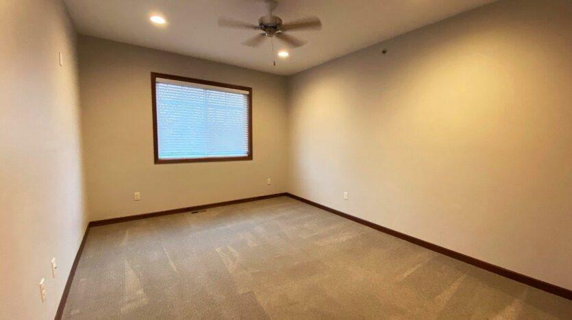 One Willow Creek Apartments in Watertown, SD - Linden Bedroom