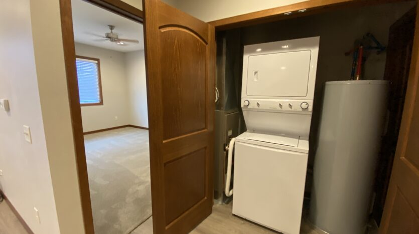 One Willow Creek in Watertown, SD - Linden Laundry