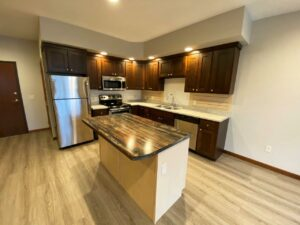 One Willow Creek Apartments in Watertown, SD - Linden Kitchen