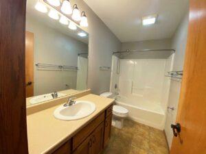 1732 Torrey Pines in Brookings, SD - Upstairs Bathroom