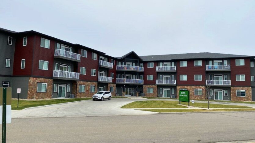 One Willow Creek in Watertown, SD - Exterior