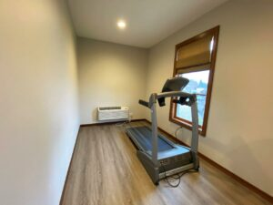 One Willow Creek Apartments in Watertown, SD - Fitness Room 2