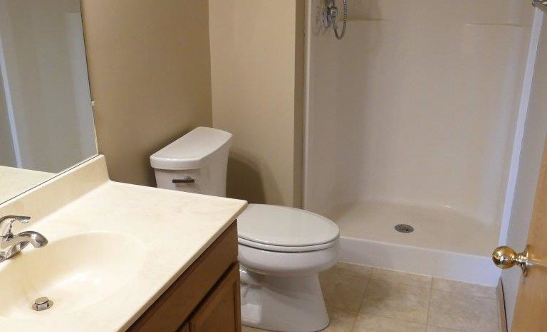 Regency Apartments in Huron, SD - Master Bathroom