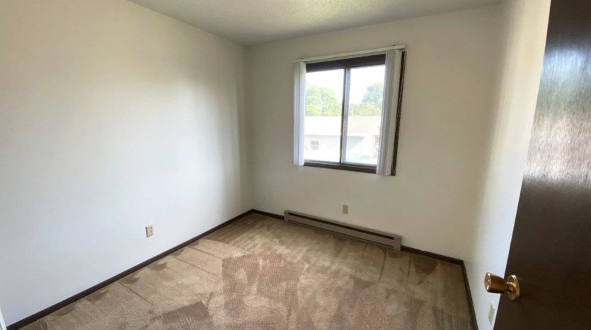 Applecrest Apartments in Big Stone City, SD - Bedroom 2