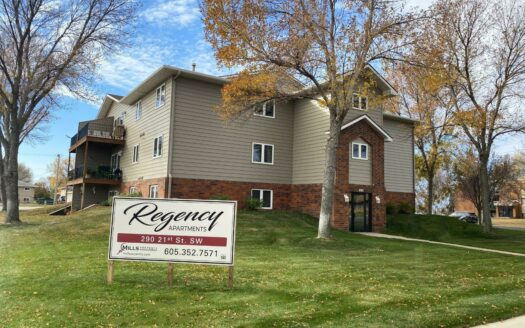 Regency Apartments in Huron, SD - Building Exterior