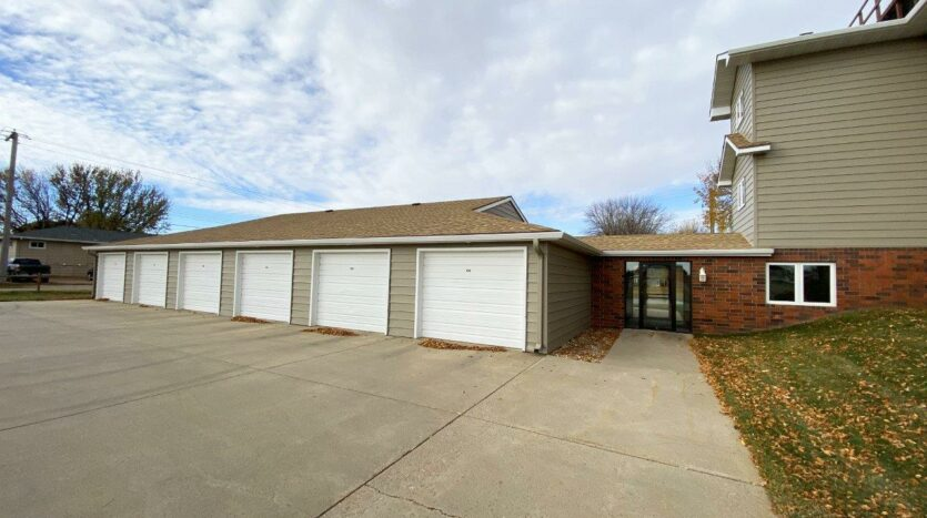 Regency Apartments in Huron, SD - Garages