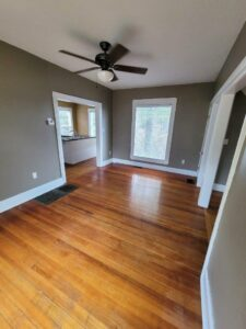 219 W Beebe Ave in Chamberlain, SD - Dining Room