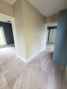 219 W Beebe Ave in Chamberlain, SD - Upstairs Hallway