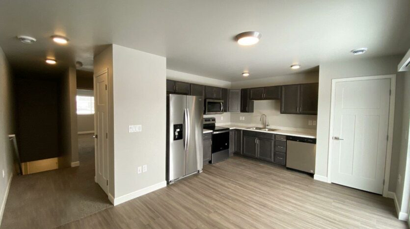 Fox Run Townhomes in Yankton, SD - Upstairs 1 Bed Living Area