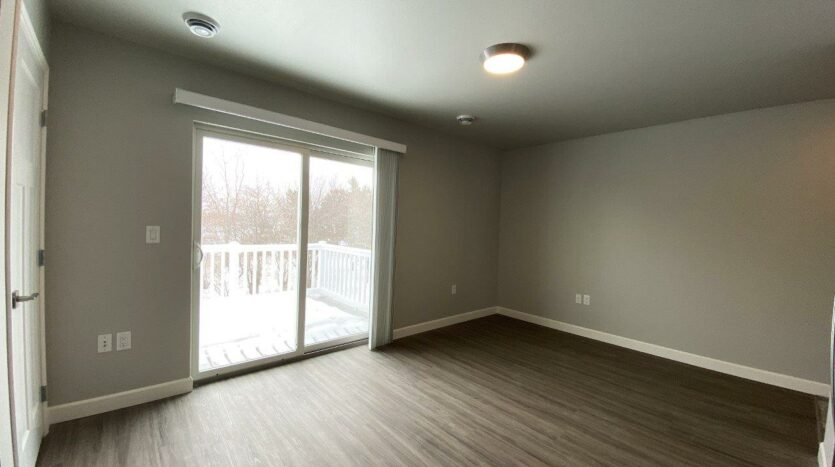 Fox Run Townhomes in Yankton, SD - Upstairs 1 Bed Living Room