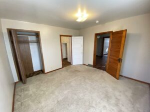 208 W Beebe Ave in Chamberlain, SD - Bedroom 1