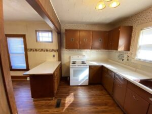 208 W Beebe St in Chamberlain, SD - Kitchen