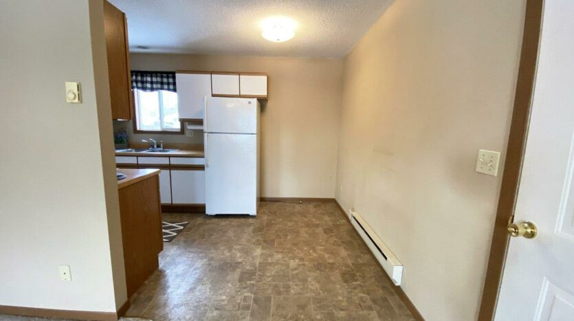 116 W 4th St in Volga, SD - dining area