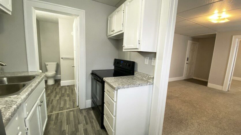 Palace View Apartments in Mitchell, SD - Kitchen
