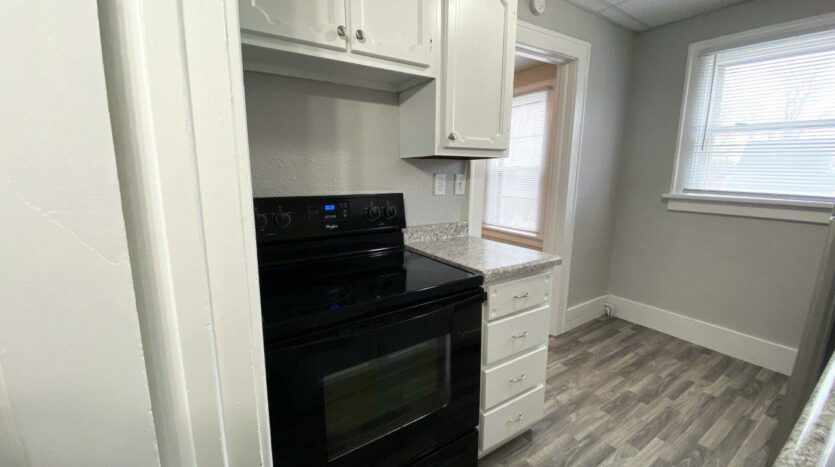 Palace View Apartments in Mitchell, SD - Kitchen3