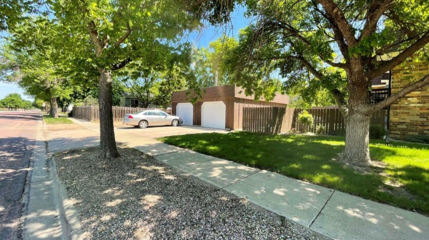 Heritage Apartments in Mitchell, SD - Garages