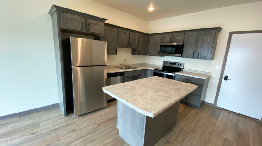 Flats on 8th in Watertown, SD - 1 Bedroom Apartment Kitchen