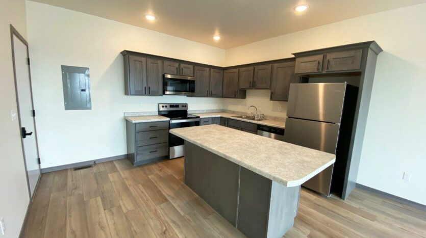 Flats on 8th in Watertown, SD - 2 Bedroom Apartment Kitchen