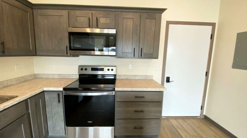 Flats on 8th in Watertown, SD - 1 Bedroom Apartment Kitchen2
