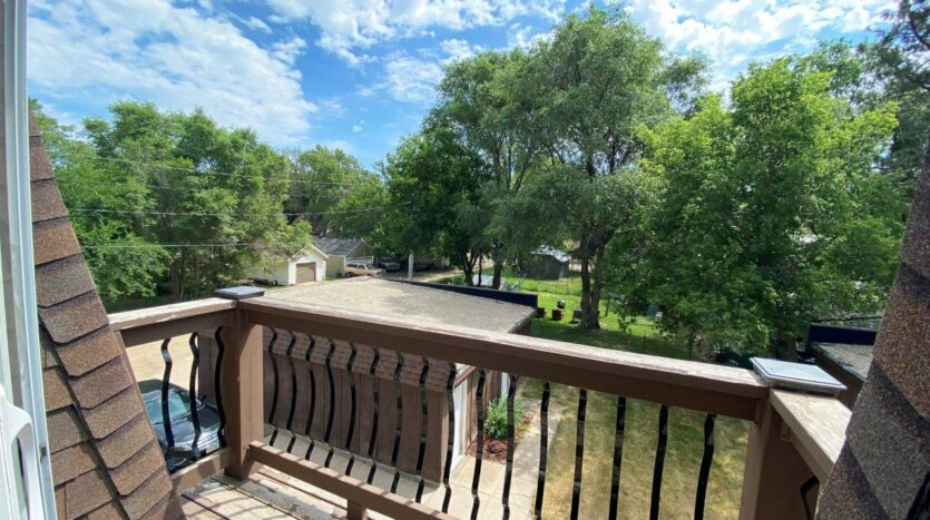 Heritage Apartments in Mitchell, SD - Deck