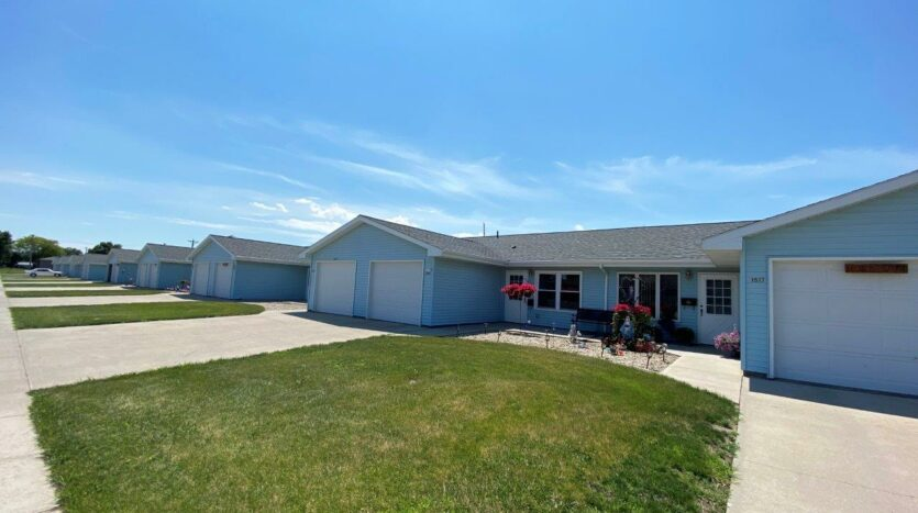 Elm Edge Townhomes in Mitchell, SD - Exterior2