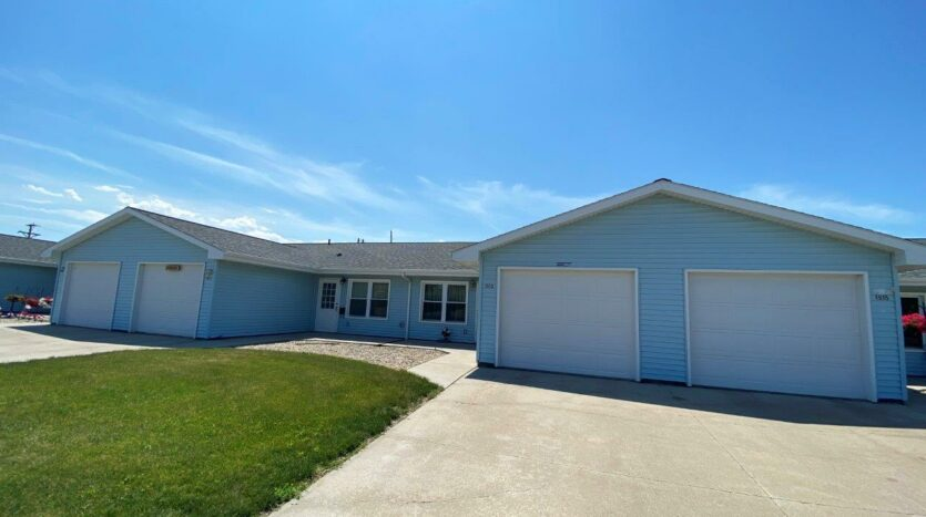 Elm Edge Townhomes in Mitchell, SD - Exterior3
