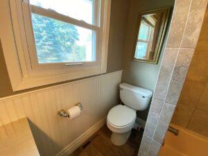 813 NE 8t Street in Madison, SD - Bathroom