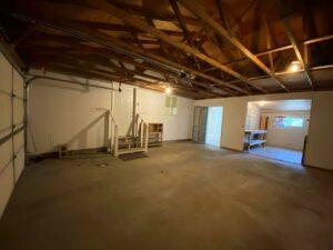 813 NE 8t Street in Madison, SD - Garage2