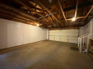 813 NE 8t Street in Madison, SD - Garage